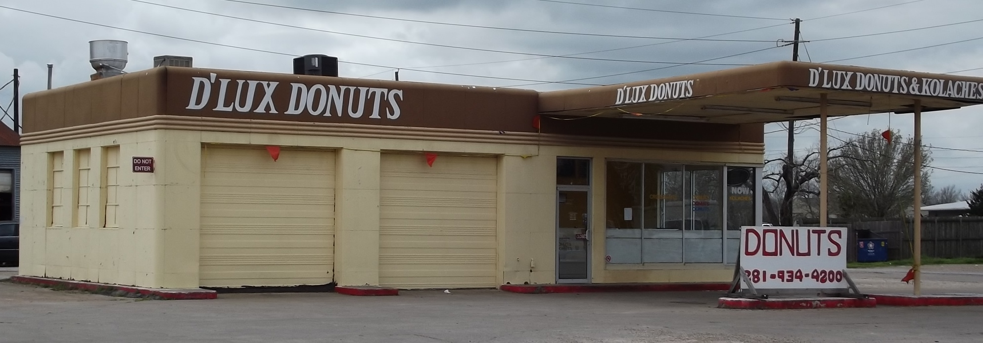 D'Lux Donuts